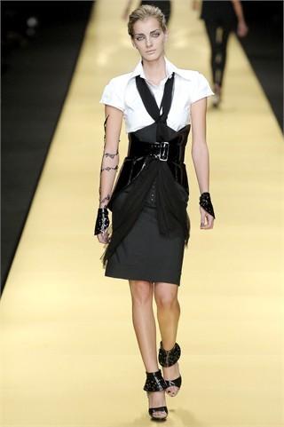 Foto de Karl Lagerfeld en la Semana de la Moda de París Primavera-Verano 2009 (11/32)