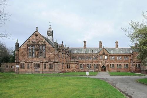 La Biblioteca Gladstone: una joya literaria y arquitectónica de Gales donde puedes pasar la noche