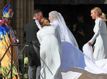 Ellie Goulding se casa con Casper Jopling y ya hemos visto el vestido de la novia