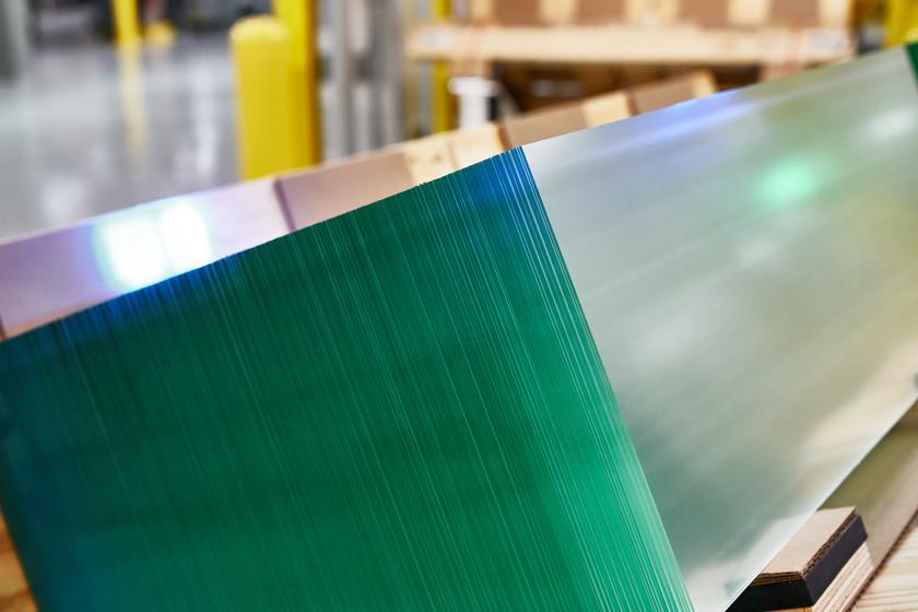 Qué ofrece Corning para que Apple haya invertido 450 millones de dólares en este histórico fabricante de vidrios y cristales