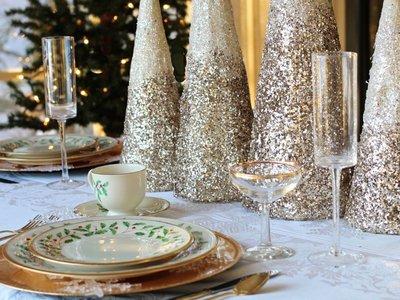 Siete formas de decorar tus mesas de Navidad que enamorarán a tus invitados
