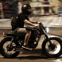 """Si tienes un iPhone y andas en motocicleta, la cámara se """"degradará por las vibraciones"""", según Apple"""