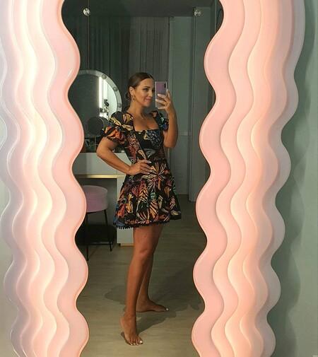 Paula Echevarría luce el vestido con el estampado de moda que ya hemos visto en Alicia Vikander, Vicky Martín Berrocal o Sara Carbonero
