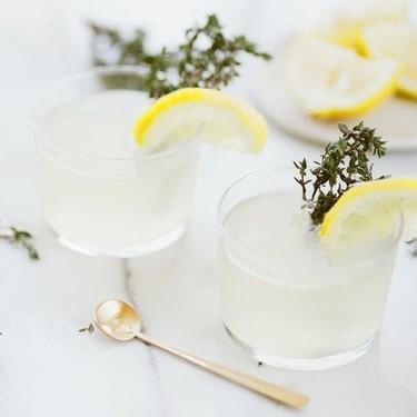Beber agua con limón en ayunas no tiene tantos beneficios como se ha creído