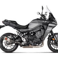 La Yamaha Tracer 9 GT consigue 123 CV y una reducción de peso de hasta 4 kg gracias a los nuevos escapes de Akaprovič