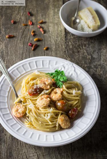 Receta de espaguetis picantes con langostinos, tomates cherry y whisky