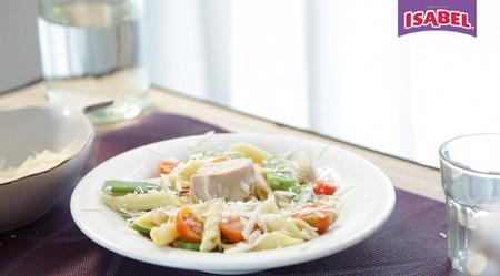 Ensalada de pasta con atún Isabel y judías verdes [videoreceta]