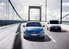 Volvo se une a BMW y planea vender su primer modelo autónomo en 2021