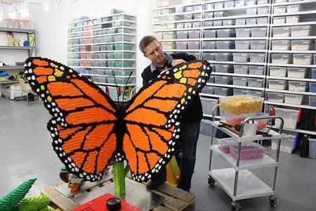 Lámparas hecha con LEGOS por Sean Kenney
