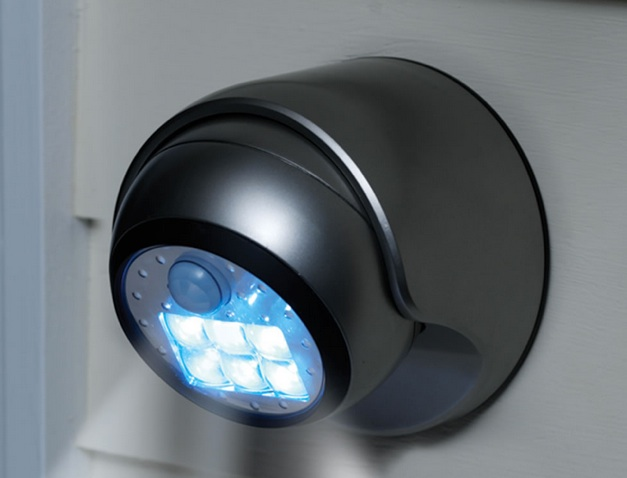 Un punto de luz led con detector de movimiento y a pilas - Detector de luz ...