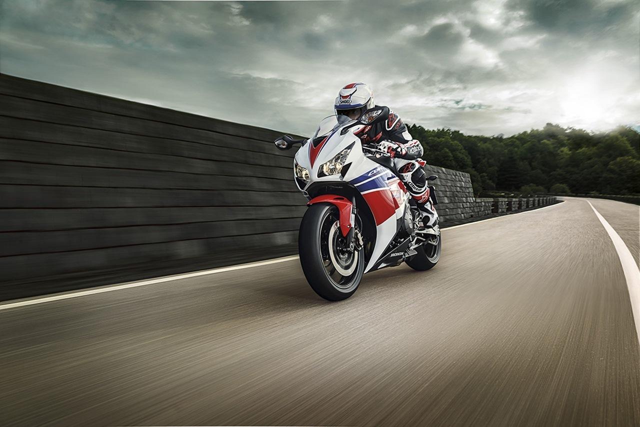 Foto de Honda CBR1000RR (8/10)