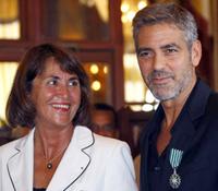 George Clooney, Caballero de las Artes y las Letras