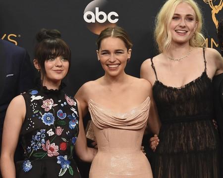 41 looks de las mujeres de Juego de Tronos cuando salen de la pantalla. ¿Quién merece el Trono de Hierro?