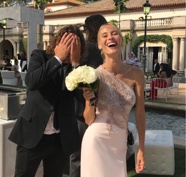 A Messi se le iba de las manos la boda, y Vanesa Lorenzo y Puyol que ya tienen el ramo