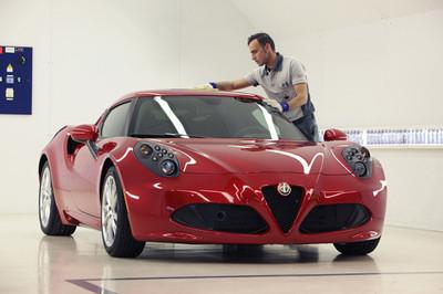 Alfa Romeo nos muestra como construyen el 4C