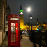 Un móvil y una cabina telefónica bastan para tener tu propia oficina, según Bar Works