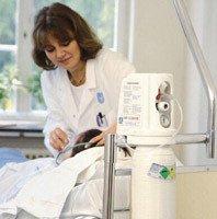 Gas analgésico para aliviar el dolor en intervenciones médicas cortas