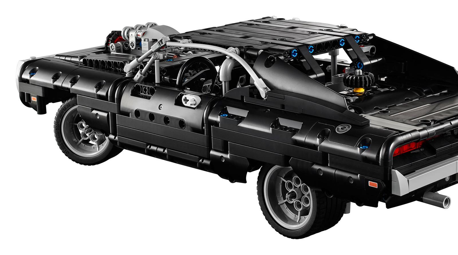 Foto de LEGO Technic Dom's Dodge Charger (8/18)