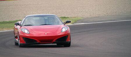 Fotos espía de un nuevo Ferrari a medida de Leonardo Fioravanti