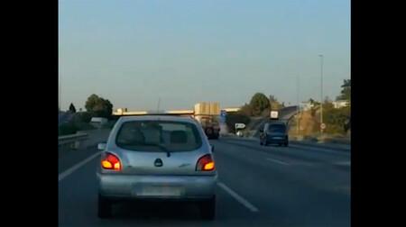 Acoso en la AP-7: cazado por un vídeo este conductor que cerró el paso a otro coche hasta frenar bruscamente