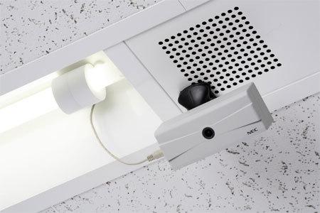 Cámara de vigilancia inalámbrica que se alimenta con la luz fluorescente