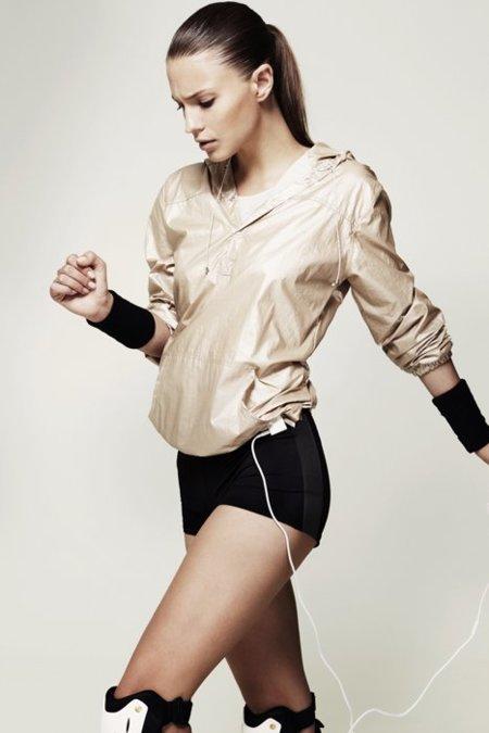 ¡Mil vueltas al patio con Adidas para Oysho! la colección Otoño 2011 completa