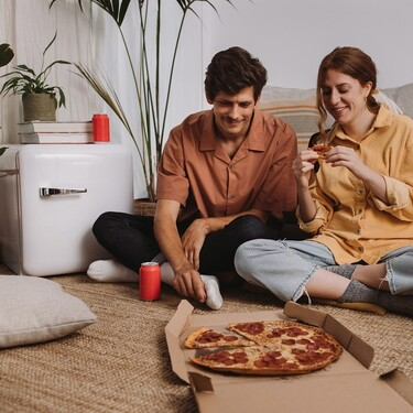 Freezy es una nevera mini ideal para pisos pequeños, oficinas, o para segundas residencias