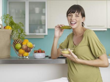 ¿Puedo satisfacer todos los antojos durante el embarazo? Decálogo de antojos saludables