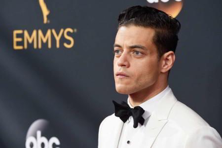 Con gran sorpresa, el traje negro quedó de lado en la red carpet de los premios Emmy 2016
