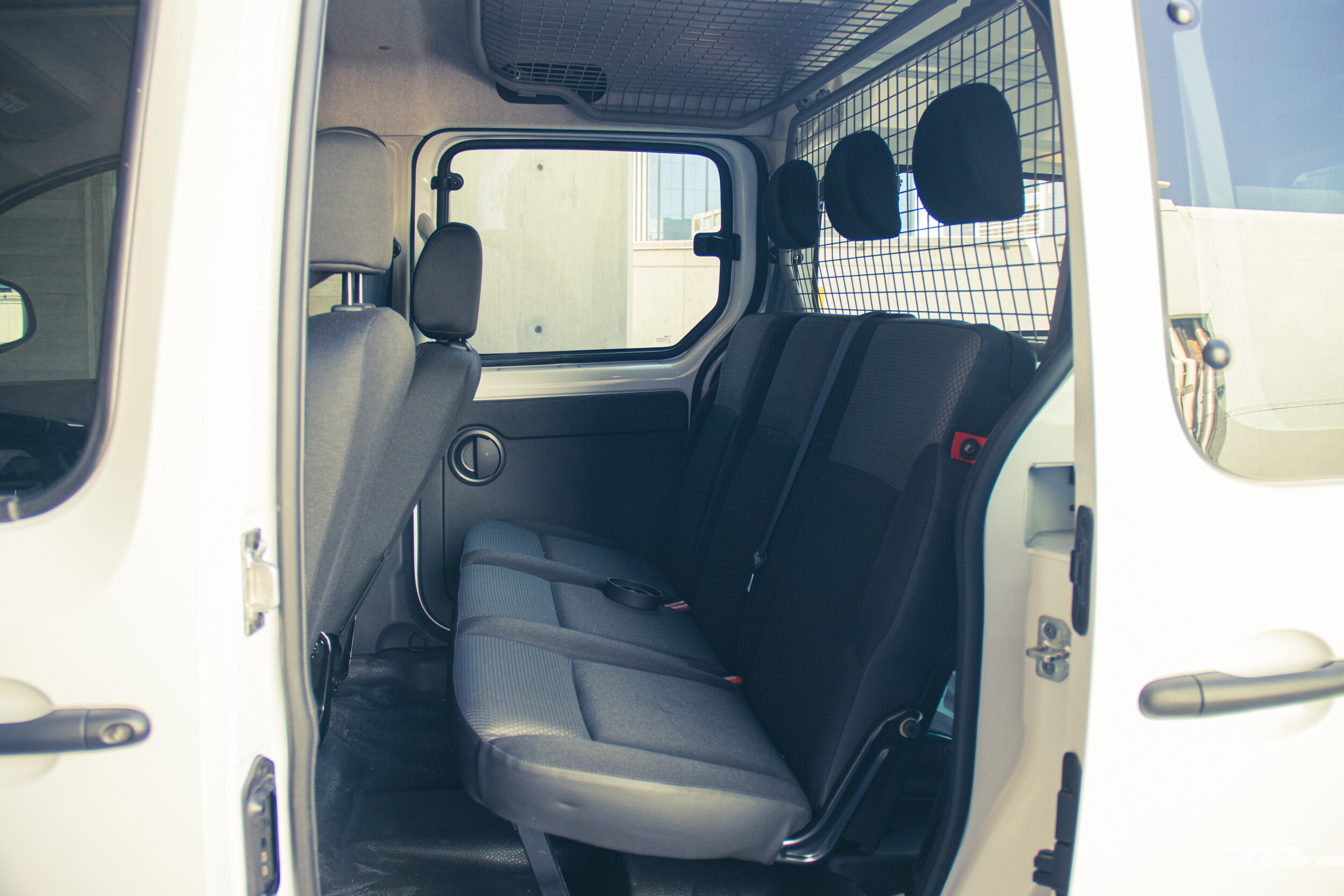 Foto de Renault Kango Z.E. Maxi 5 pasajeros (26/29)
