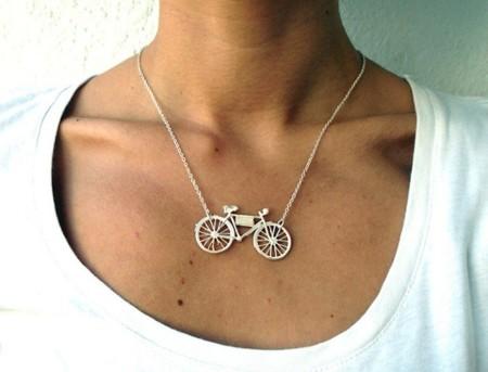Alba Casares, joyas funcionales