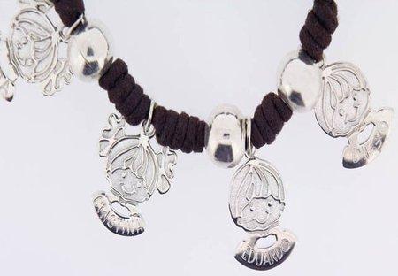 Carittas: pulseras para mamás con las caritas de sus hijos