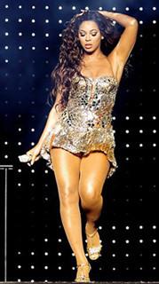 """Beyoncé enseña sus """"lolas"""" en pleno concierto"""