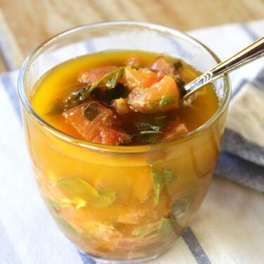 Receta de salsa virgen, perfecta para acompañar tus recetas de pescado, marisco y carne blanca