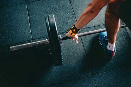 Cinco buenos propósitos fitness que puedes hacerte de cara a 2021 (y mucha información para que puedas llevarlos a cabo)