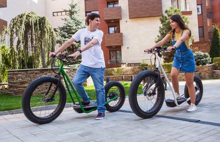 Este híbrido entre patinete eléctrico y bicicleta se llama Vinghen Ti1 y las primeras unidades están a la venta por 800 euros