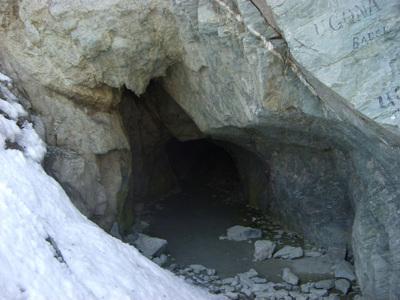 El túnel de las Traversette, un agujero excavado en la roca que une dos países
