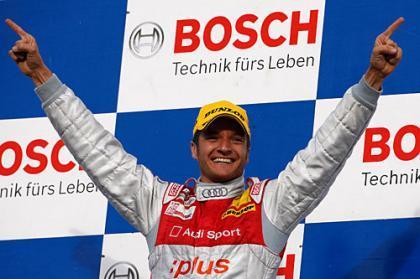 Victoria y título para Timo Scheider