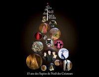 Árboles de Navidad de diseño con fines benéficos