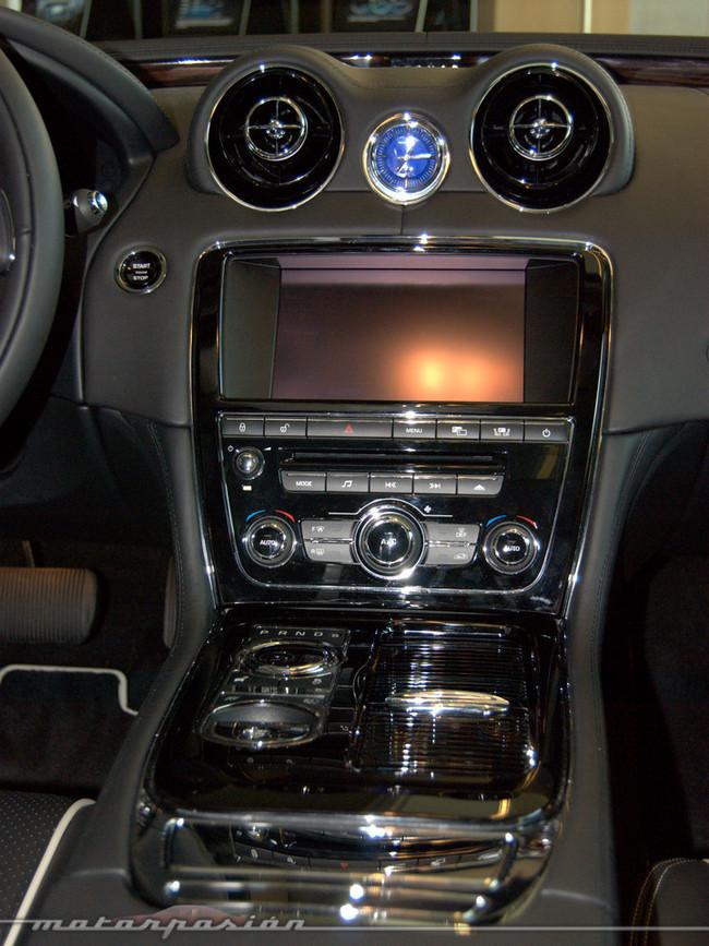 Foto de Jaguar XJ (presentación) (25/40)