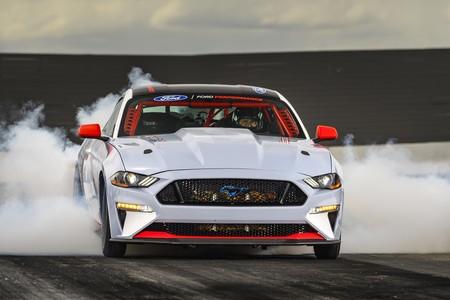 El Ford Mustang Cobra Jet 1400 pulveriza el 1/4 de milla a 270 km/h, gracias a sus 1,502 hp y lo presume en video