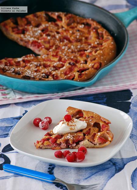Tortita pastel horneada de fresas: receta ligera de postre o desayuno