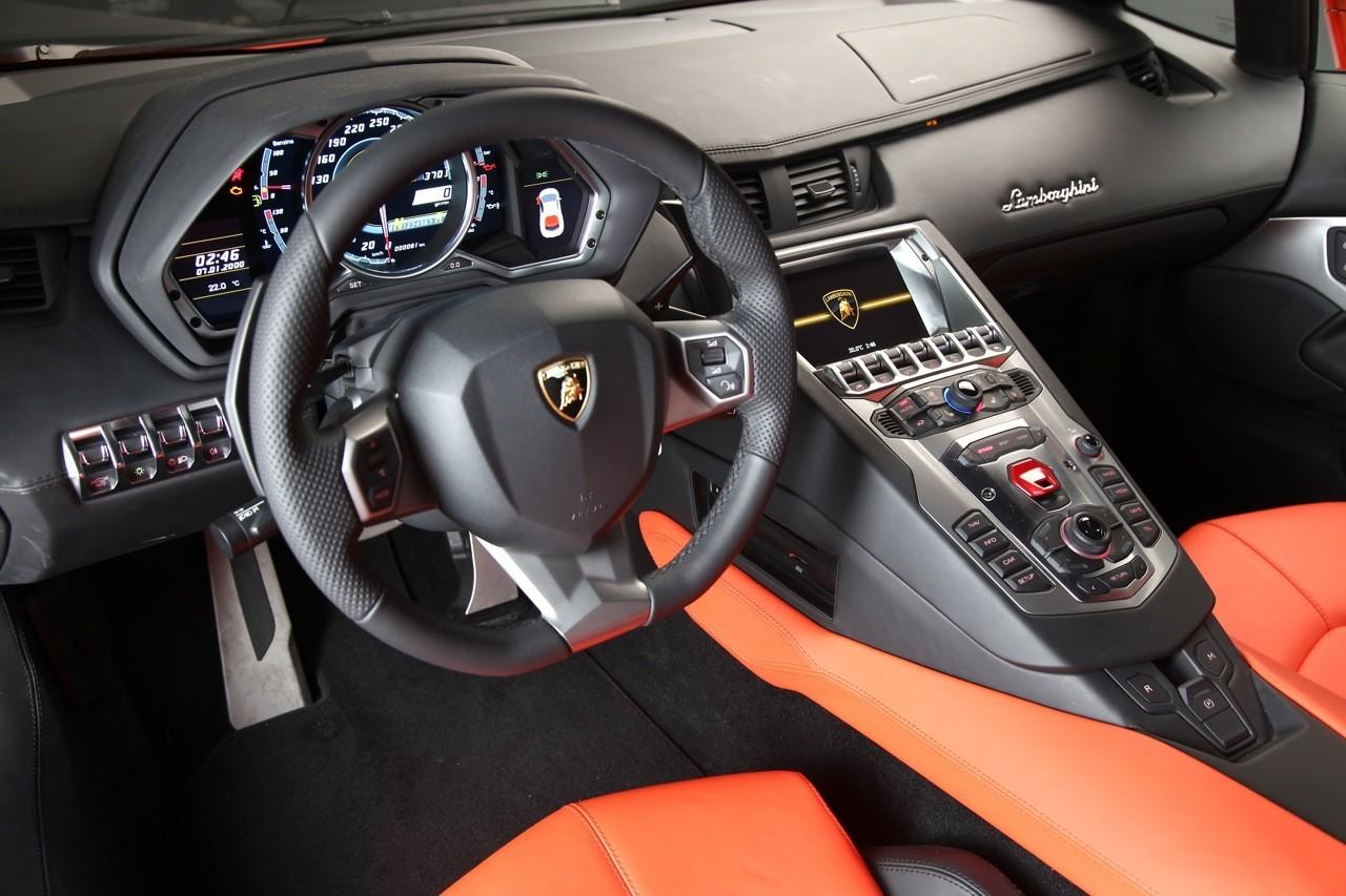 Foto de Lamborghini Aventador LP700-4 (22/62)