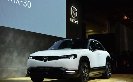 Mazda presenta su primer coche eléctrico: un SUV bautizado como MX-30 y con una autonomía de 200 km
