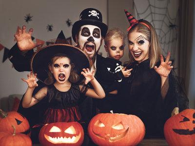 ¡Todos a celebrar Halloween! Disfraces en grupo para toda la familia
