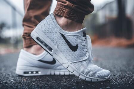 Las mejores ofertas en zapatillas de hombre y mujer para aprovechar las rebajas de Nike: hasta un 40% de descuento