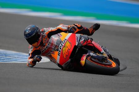 MotoGP reflexiona tras las caídas en Jerez: ¿Los circuitos antiguos son peligrosos o las motos corren demasiado?