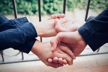 Administrando oxitocina por vía nasal, los egoistas pasaban a comportarse como altruistas