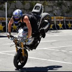 Foto 12 de 18 de la galería exito-del-primer-campeonato-de-freestyle-stunt-riding-encamp-2011 en Motorpasion Moto
