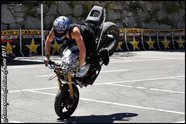 Foto de Éxito del primer campeonato de Freestyle Stunt Riding Encamp 2011 (12/18)